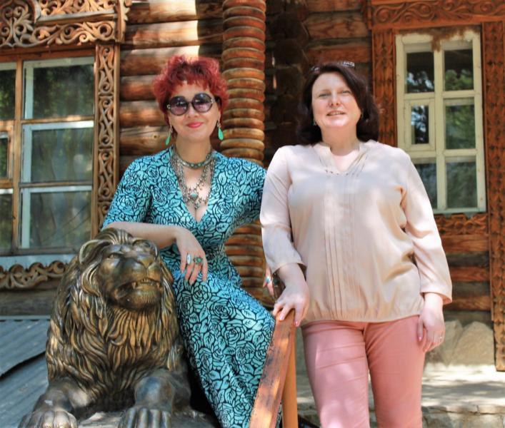 Поэтессы Диана Кан и Инна Фролова - Минск - в Саракташе.jpg